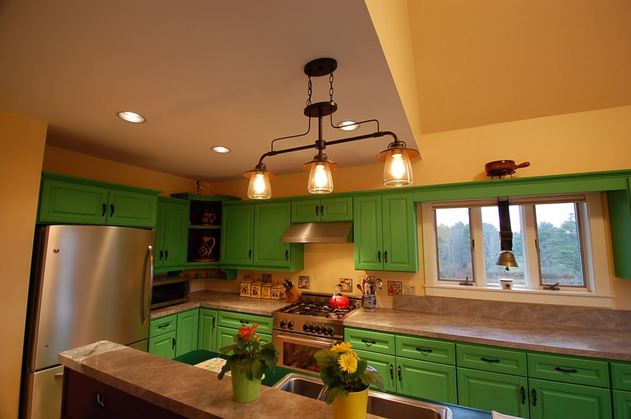 Kitchen Remodel, Painted Cabinets, Cushing, ME | Daggett Builders