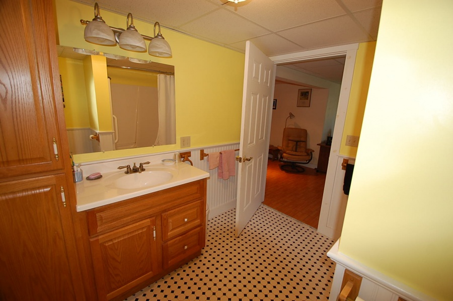 Lower Level Bathroom, Vacation Rental, Cushing, ME