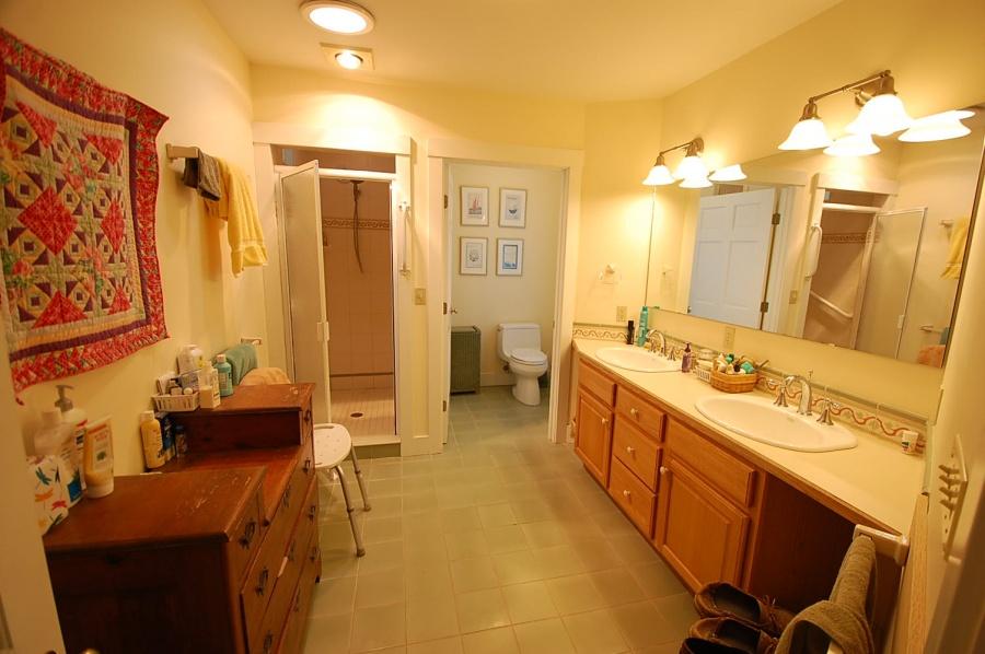 Master Bathroom, Vacation Rental Cushing, ME